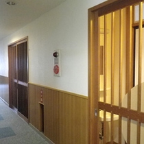 *【廊下】それぞれのお部屋で、ゆっくりとお休みください。