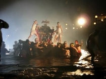 温泉祭り 川神輿