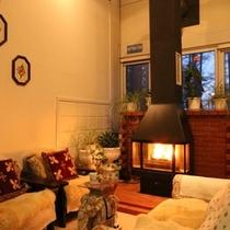 館内_暖炉スペース