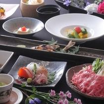 新鮮な地元食材が当館の板長の知恵とひとさじでがらりと生まれ変わります!!