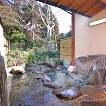 8畳×8畳 2間の離れ露店風呂付客室