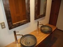 和室の洗面所