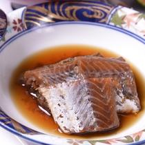 *お夕食一例(ボウタラ)/骨までやわらかい。じっくりコトコト煮込んだお袋の味をご賞味下さい。