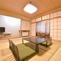 *和室10畳/純和風の客室は気品ある落ち着いた風情。ご家族やお友達同士で団欒のひと時をお過ごし下さい。