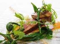 鴨胸肉と山菜のコンビネーション