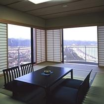 32階ロイヤルスイートルーム「暁雲」和室付きのお部屋