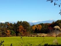 窓から見た秋の北アルプス