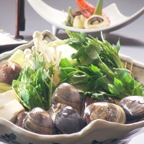 【桑名の蛤鍋】はまぐりの出汁が絶品と評判の一品