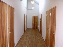 リニューアルされた廊下