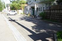 駐車場:ペンションのすぐ前に10台駐車可。