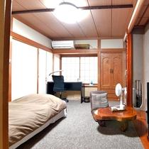 *客室 和洋室シングル ビジネス利用の方でもお家に言うような感覚でくつろげます。