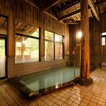 *内湯/日本有数の総檜造りの内湯