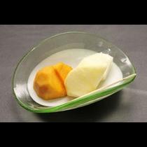 *デザート 柿・リンゴ