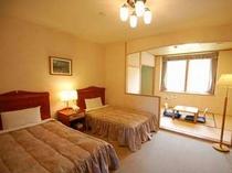 ゆったり広々な和室付ツインルーム(32平米)