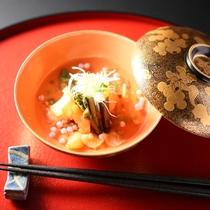 ■春の蒸し物一例。弘法山桜饅頭。
