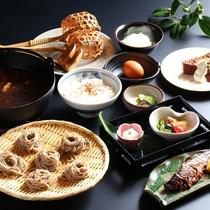 【冬季限定】鴨出汁アツアツ鍋で愉しむとうじ蕎麦