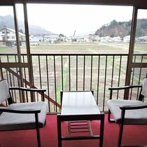 *【和室/景観】窓からはのどかな風景がどこまでも続きます。