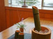 竹のお猪口でいただく名物竹酒☆