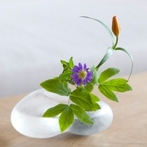 館内の美術品とお花