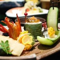 *【スタンダードメニュー】「竹」/前菜2013春~秋/色鮮やかに盛り付けられた前菜(一例)