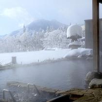 *【展望露天風呂】(雪見露天)/高台からの雪見露天は、見渡す限り銀世界!この時期しか味わえない絶景