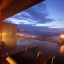 *【展望露天風呂】(冬の夕景)/夕暮れには、より美しい光景をご覧頂けますよ