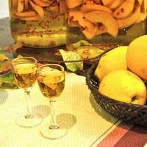 *【お酒】自家製の「かりん酒」です。食前酒としてお愉しみください。