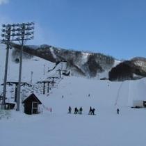 【スキー場*ホテル前】