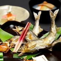 【鮎塩焼一例】初夏から初秋までご賞味いただける中伊豆の名物です。