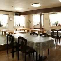 *[食堂]朝夕共にお食事はこちらへご用意致します。
