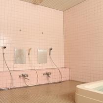 *[大浴場/洗い場]カランは各6箇所ございます。