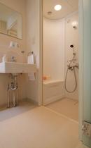 モダン和洋室。バス・トイレ。