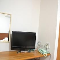 *客室一例/テレビも全室完備!お仕事の合間にリラックスした時間を。