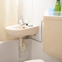 *バストイレ一例/きちんと清掃された空間(全室ユニットバス完備)