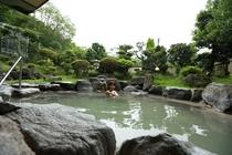 解放感溢れる露天風呂!