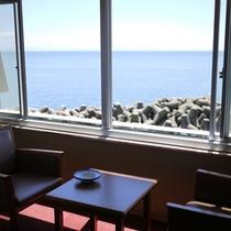 *海側客室:目の前に広がる海に癒されて下さい。