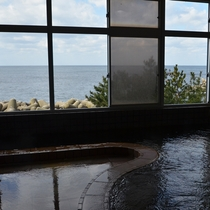 【男性大浴場】海に面してます!