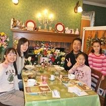 ■楽しい朝食風景♪