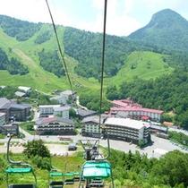 *【夏】人気のトレッキングコース「池めぐり」の出発点、前山リフトまで徒歩2分!