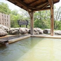 貸切野天風呂「荒戸の湯」は2箇所あります。