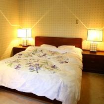 【離れ特別和洋室】 和室12.5畳+Wベッドルーム バストイレ付
