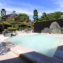 *庭園大浴場(女湯)/広さは中ノ沢温泉随一!庭園露天風呂で旅の疲れもスッキリ!