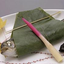 岩魚のほう葉焼(夕食一例)