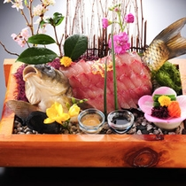 記念日用の船盛(鯛または伊勢えび等)など特別料理も承ります。