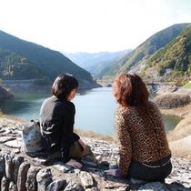 名栗湖(有馬ダム)大松閣からお車で約5分。