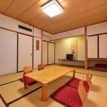 *和室一例/4名までお泊まりいただける10畳のお部屋。畳に足を伸ばしておくつろぎください。