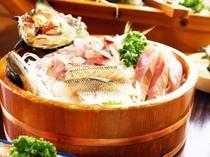 料理〜桶盛り刺身アップ(600×450)