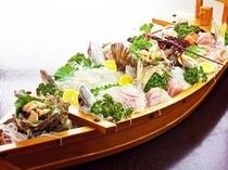 料理〜舟盛りアップ(600×450)