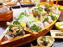 料理〜舟盛りアップ・斜め(600×450)