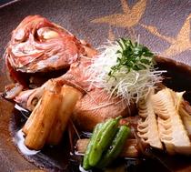 こってりとした味付けでご飯にとても合う「金目鯛の煮付け」
